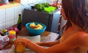 fruitarian nudist eats raw vegan pina Vm36EOcUtWI